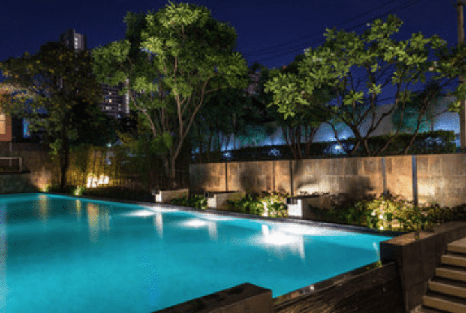 swimming-pool-outdoor-lighting